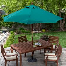 Square Patio Umbrella With Netting by Square Offset Patio Umbrella Over Patio Table And Chairs Set And