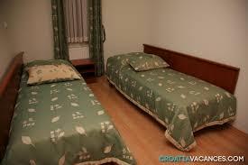 chambre hotel 4 personnes location hôtel croatie ref 064pr mz chb01 croatiavacances