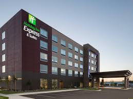 Holiday Inn Express & Suites Duluth North Miller Hill Hotel by IHG