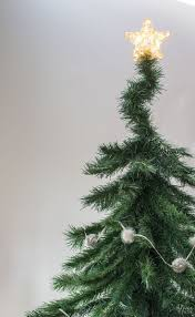 Dunhill Fir Christmas Trees by Best 20 Faux Christmas Tree Ideas On Pinterest Diy Christmas