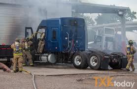 100 Ryder Truck Semitruck Fully Engulfed At Texarkana Today