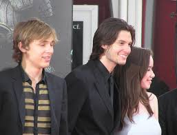 File:William Moseley, Ben Barnes & Anna Popplewell French Premiere ... Ben Barnes Smolders In Spain Photo 1240631 Anna Popplewell Fewilliam Moseley French Pmiere 127 Besten William Moseley Bilder Auf Pinterest Narnia Cap D The Chronicles Of Prince Caspian Sydney Pmiere Photos Of Narnias Will Poulter William Tripping Through Gateways Fans Wmoseley Twitter Cross Swords Oh No They Didnt 122 Best Images On