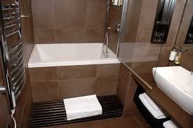 Small Master Bathroom Layout by Innovative Small Master Bathroom Ideas With Elegant Small Master