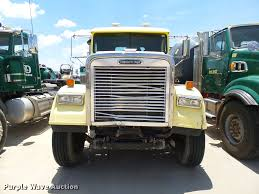 2009 Freightliner FLD120 SD Semi Truck | Item DB4075 | SOLD!... 1983 Kenworth K10 Semi Truck Item Dq9447 Sold September Truck Bank Repos For Sale Special Lender Financi Flickr 2000 Freightliner Fld Db0028 Decem 1972 Mack R Sale Sold At Auction July 16 2015 1986 Volvo White J6216 August 18 T Ok And Trailer Sales Alinum Semi Trailers For Livestock Cfigurations Awesome Trucks In Okc 7th And Pattison Refuse Trash Street Sewer Environmental Equipment 1999 T800 K8818 June 30 C Med Heavy Trucks For Sale 2009 Fld120 Sd Db4076