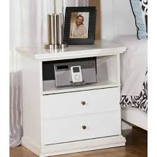 signature design chests bostwick shoals b139 46 5 drawers from