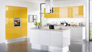 cuisine et blanche cuisine blanche mur jaune photos de design d intérieur et