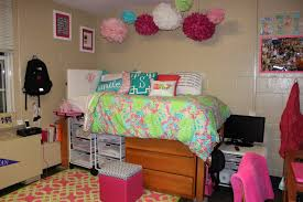 2 Preps A Dorm Room