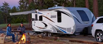 Travel Trailers Vs. Fifth Wheels
