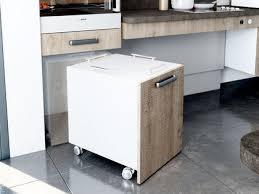 cuisine sur roulettes rangement cuisine les 40 meubles de cuisine pleins d astuces