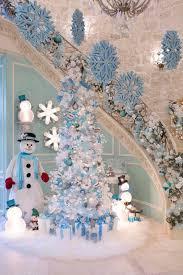 Winter Wonderland Blue Christmas Tree Decoration Ideas