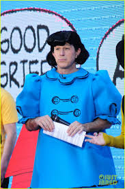 Willie Geist Carson Daly Halloween by Today Show U0027 Hosts Wear Spot On Peanuts Halloween Costumes Photo