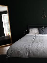 bedroom dunkles schlafzimmer gemütliche kleine