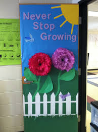 Kindergarten Christmas Door Decorating Ideas by Spring Door Decorations Classroom Spring Classroom Door Ideas