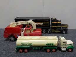 100 Hess Toy Truck Values 1990 Gas Fire More Meridian Public Auction