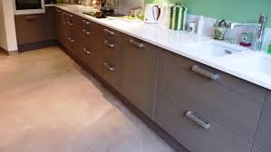 beton ciré cuisine beton cire sur carrelage de cuisine great beton cire cuisine plan