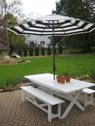 innovative picnic table with umbrella eberles produce octagon