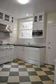 Marmoleum Tile Checkerboard Cream And Grey