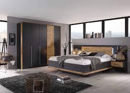 lifestyle4living schlafzimmer komplett set in grau 4 teilig modernes komplettset mit drehtürenschrank und bettanlage inkl nachtschränke