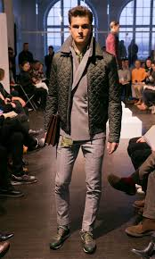 how to wear a dark green quilted bomber jacket 5 looks men u0027s