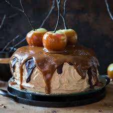 herbstliche snickers torte mit salzkaramell äpfeln