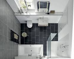 bodengleiche duschplätze und badewannen für kleine badezimmer