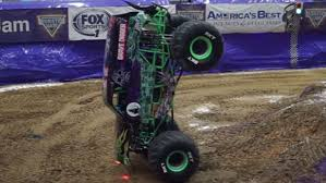Grave Digger Monster Jam Truck Pulls Off Record Minute-long Front ...