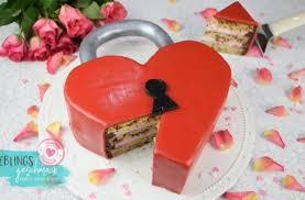 liebesschloss torte