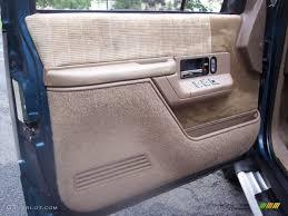 1993 Chevrolet Suburban K1500 4x4 Tan Door Panel