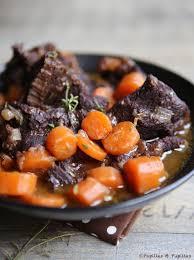 cuisiner joue de porc daube de joue de boeuf aux carottes et vin