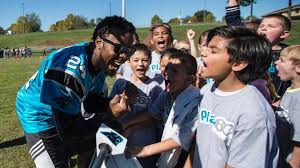 Carolina Panthers score touchdown with Charlotte area elementary