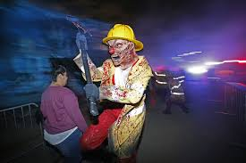 Halloween Mazes In Los Angeles 2017 by We Want This To Stop Immediately U0027 Creepy Clown Pranksters Spread