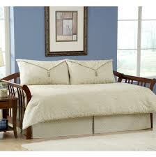 Sofa Bed Sheets Walmart by Furniture Great Way To Impress Your Guests With Daybed Covers