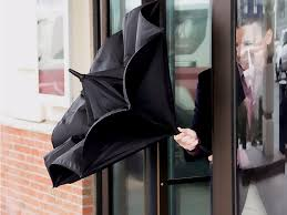 Shed Rain Umbrella Amazon by This Reverse Open Umbrella Will Solve Every Annoyance You U0027ve Ever