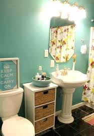 Pedestal Sinks For Small Bathrooms by Small Bathroom Pedestal Sinkroom Makeovers For Spring Inspiration
