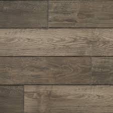 Restoration 6 X 51 12mm Oak Laminate Flooring In Winter