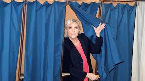au bureau henin beaumont présidentielle marine le pen a voté à hénin beaumont 3