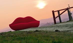 Salvador Dali Mae Wests Lips Sofa by Bocca Pink Lady And Dark Lady Sofa By Studio 65 1970 And 2008