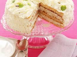 weiße torte mit schokolade und kokos