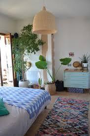 dormir avec des plantes dans la chambre danger