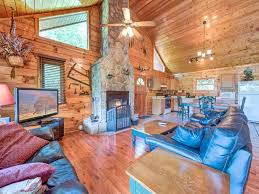5 Bedroom Cabins In Gatlinburg by Dreamweaver 2 Bedrooms Tub Mountain View Grill Wifi