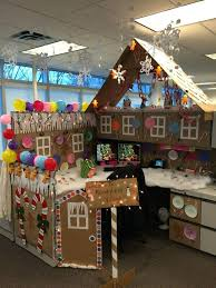 9 cubicle dwellers with serious christmas spirit diy office