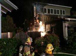 Halloween Warehouse Beaverton Oregon by Family Of Five Displaced By House Fire In Beaverton Kptv Fox 12