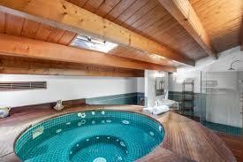 tolles hochwertiges dorfhaus mit whirlpool innenhof im