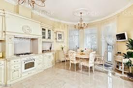 klassische küche und esszimmer interieur in beige farben stockfoto und mehr bilder architektur
