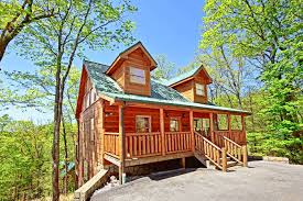 1 Bedroom Cabins In Pigeon Forge Tn by 2 Bedroom Cabin Between Gatlinburg Pigeon Forge