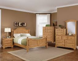 The Vaughan Bassett Farmhouse Washed Pine Bedroom Suite at Miller