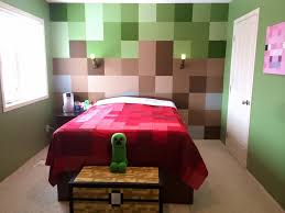 Young Minecraft fanatic s the bedroom makeover of a lifetime