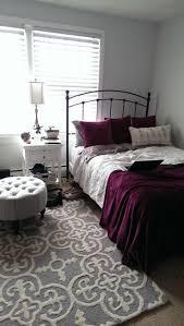 Grey And Purple Living Room by Best 25 Maroon Room Ideas On Pinterest Maroon Bedroom Burgundy