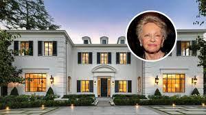 104 Beverly Hills Modern Homes Mansion Sells At 36 Discount Amid Coronavirus Fears Dirt
