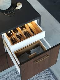 organisierte schublade ordentlicher küchenschrank ikea